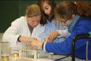 laboratoire du collège de Courset